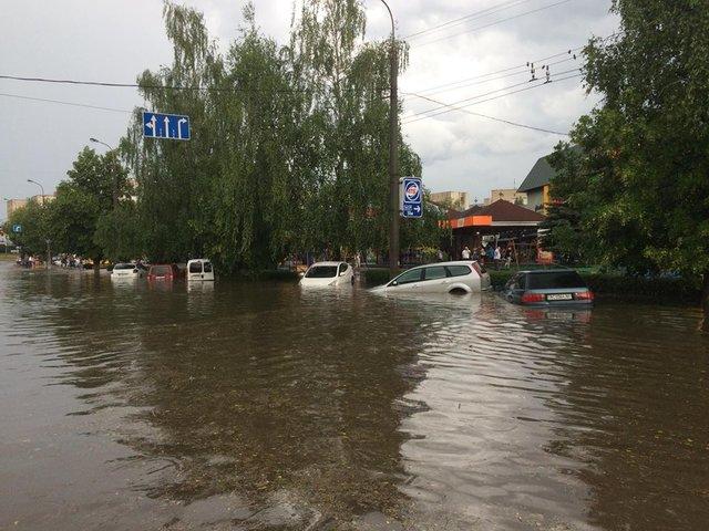 Наводнение в Луцке после дождя