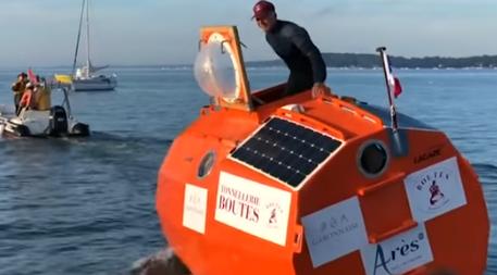 Французский дедушка переплыл в бочке Атлантический океан