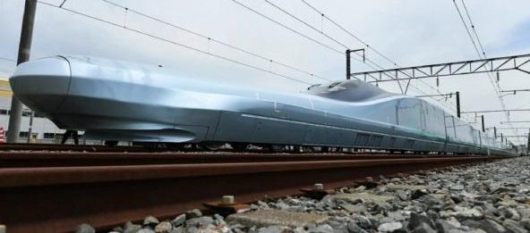 Япония создала поезд разгоняющийся до 400